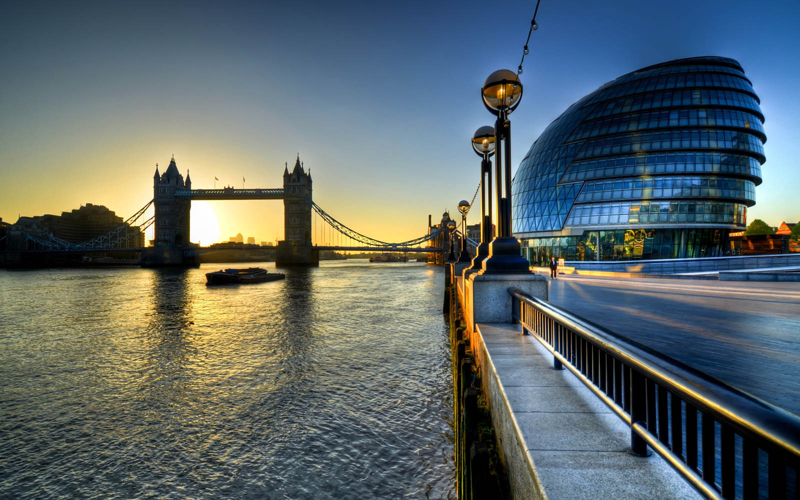 London-City-Hall-Photos-and-Wallpapers-01